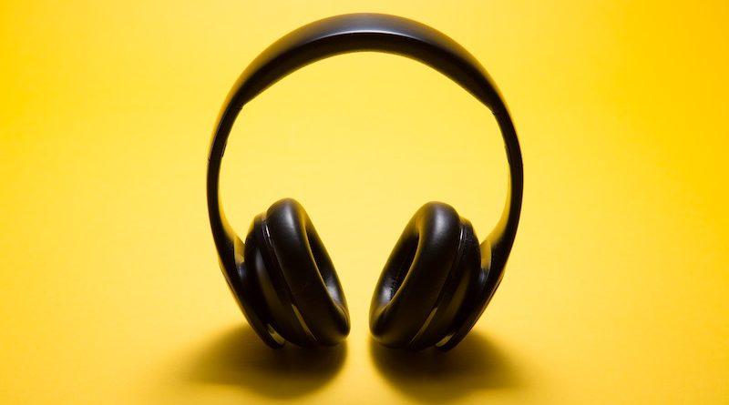 Lyssna på poddar