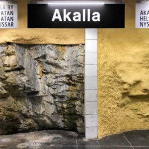 Akalla har råa bergsväggar