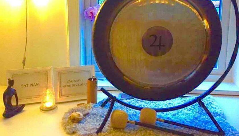 Kundaliniyoga med gong.