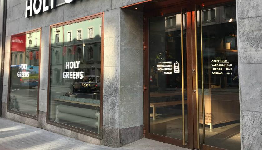 Restaurangen Holy Greens, sett från Kungsgatan.
