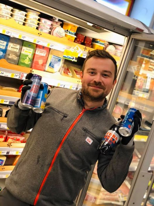 Fredrik Färm är butikschef på ICA Nära Riddaren